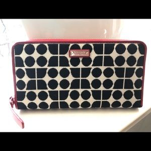 💗New KateSpade B&Cream w/Red accents Wallet💗